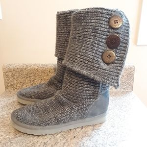 UGG Sweater Boots Classic Cardy Button Gray sz 7